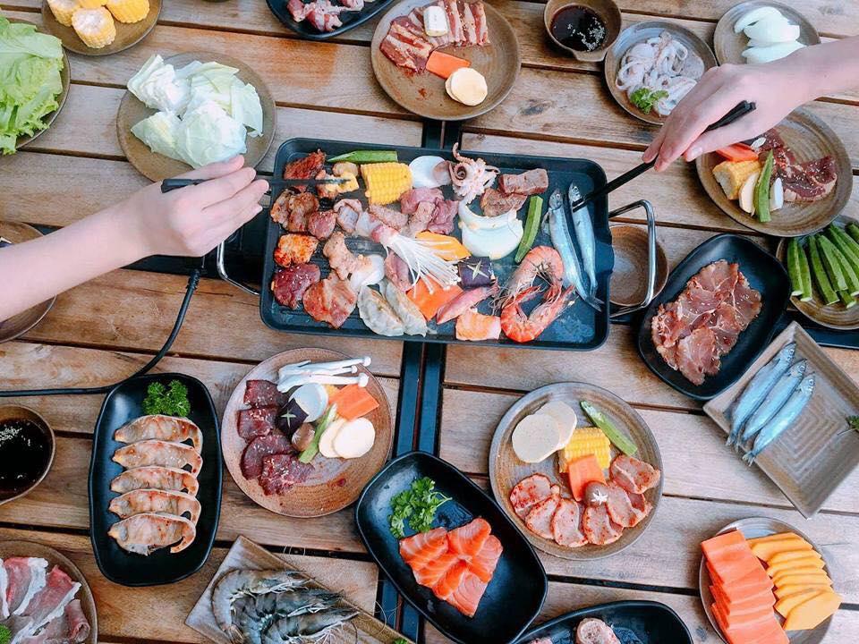 Nhà hàng TakiTaki – Hotpot Võ Chí Công cho thực khách được khám phá phong cách ẩm thực Nhật qua những món ăn đặc sắc.