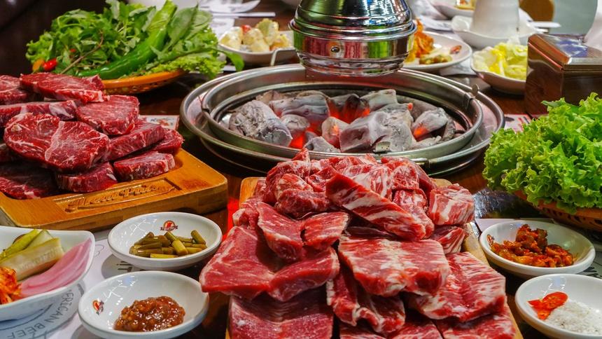 nguyên liệu để chế biến các món nướng hấp dẫn tại đây là loại thịt cao cấp được nhập khẩu với chất lượng đảm bảo tốt nhất.