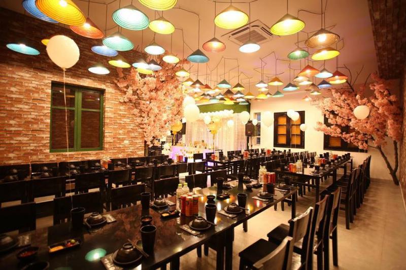 Phủi Quán là một địa điểm tổ chức sinh nhật hấp dẫn, nơi đang được rất nhiều các thực khách tìm kiếm, yêu thích. Đây cũng là lựa chọn hàng đầu trong các nhà hàng có phòng riêng tổ chức sinh nhật ở Hà Nội.