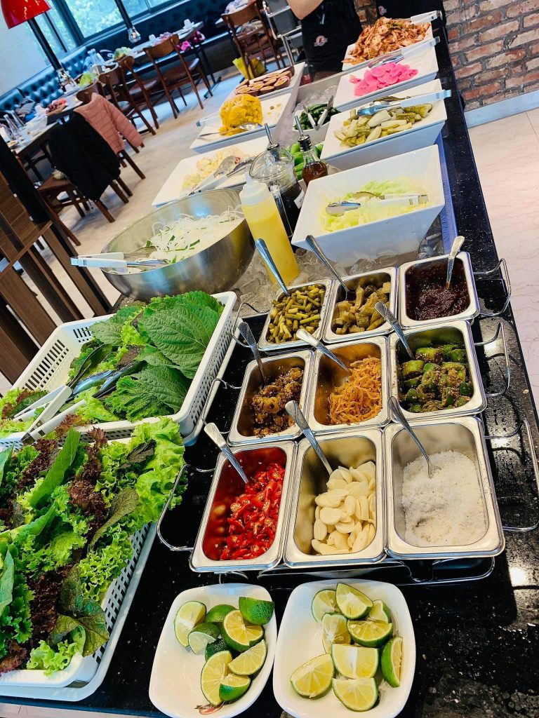 Phancha ăn kèm thịt nướng Hàn Quốc không giới hạn tại Meat Plus Hồ Tây
