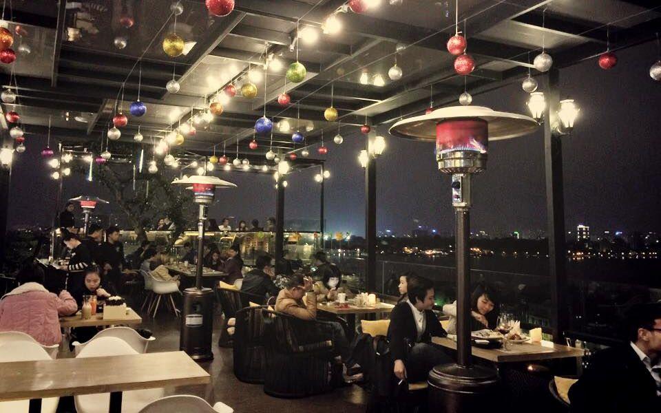Six Degrees Cafe - Rooftop là nơi yêu thích mà nhiều người hay tìm đến, nhất là vào những dịp kỉ niệm cá nhân như sinh nhật