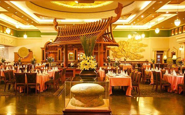 Nhà hàng Trống Đông Sơn lại là một nơi đáp ứng cả quy mô đại tiệc hoặc các buổi tiệc cỡ vừa và nhỏ khác.
