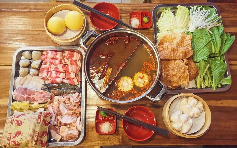 Đến Nhà hàng Yixin, thực khách có cơ hội thưởng thức thỏa thuê hàng loạt món ăn hấp dẫn, rất gần với khẩu vị người Việt.