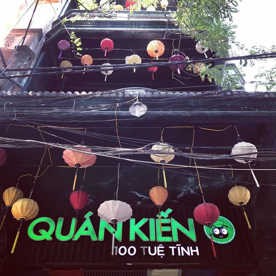 Quán Kiến thuộc top nhà hàng nổi tiếng nhất Hà Nội về ẩm thực Tây Bắc và các món đặc sản côn trùng.