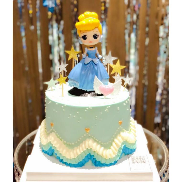 Bánh sinh nhật có hình nàng công chúa Lọ lem