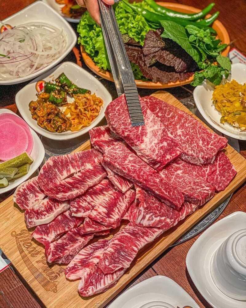 Meat Plus Hồ Tây đang thực hiện dịch vụ ship đồ tận nơi đảm bảo 5K.