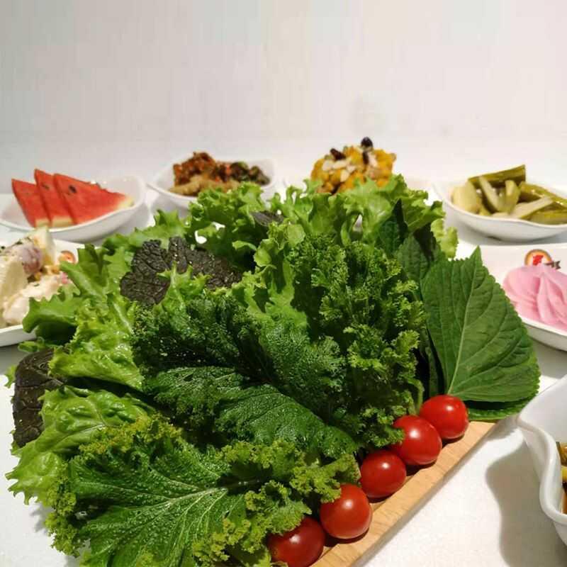 Lá vừng là một loại rau sống ăn kèm xuất xứ Hàn Quốc.