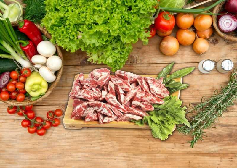 Chọn Meat Plus Hồ Tây cải mù tạt ăn kèm thịt bò nướng ngon khó cưỡng